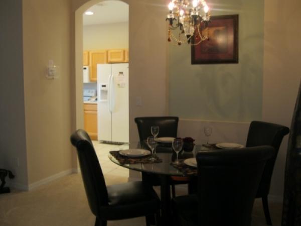 Indgang til køkken fra stue